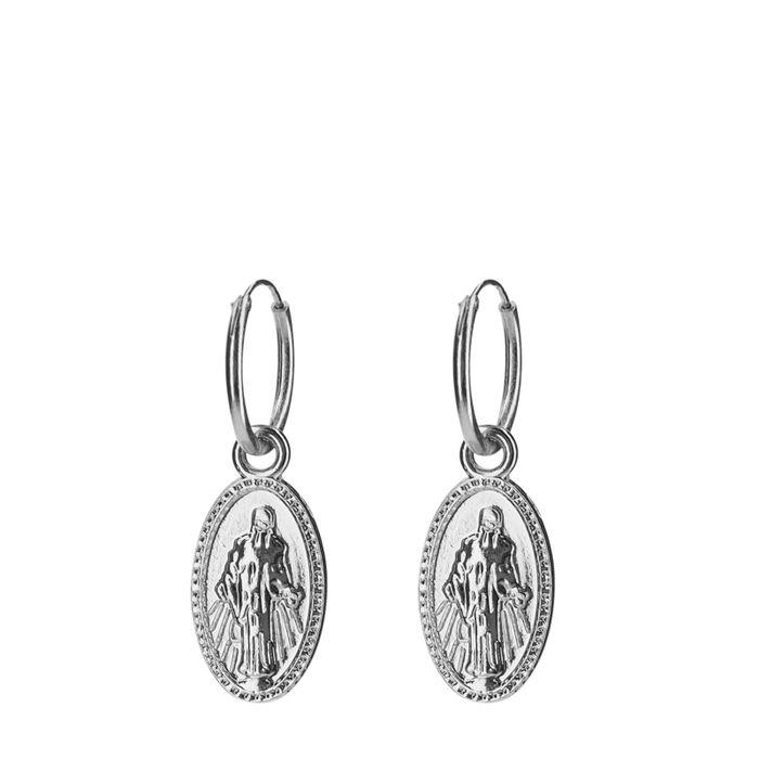 Zilverkleurige oorringen met ovale hanger