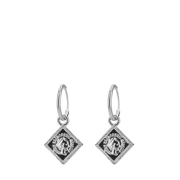 Zilverkleurige oorringen met geruite hanger