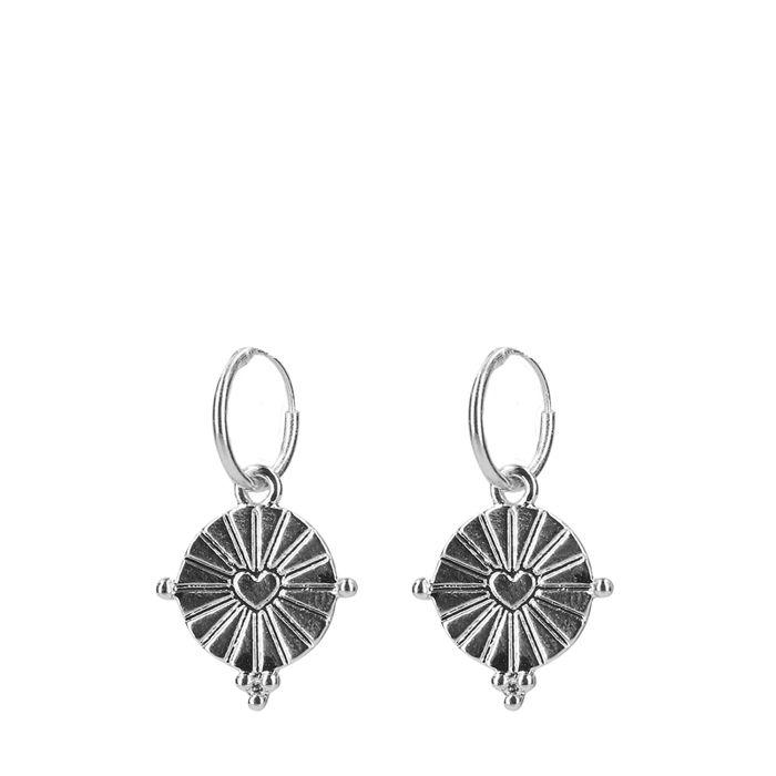 Zilverkleurige oorringen met ronde hangers