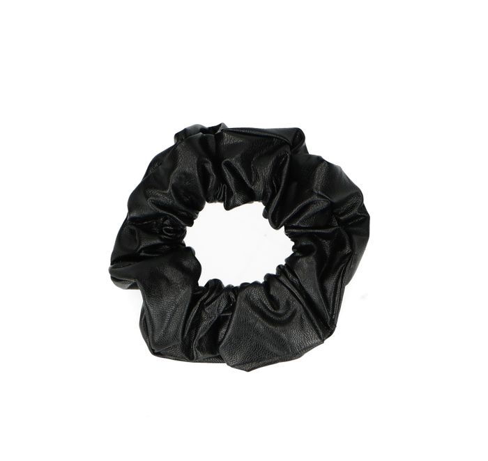 Leather look scrunchie zwart