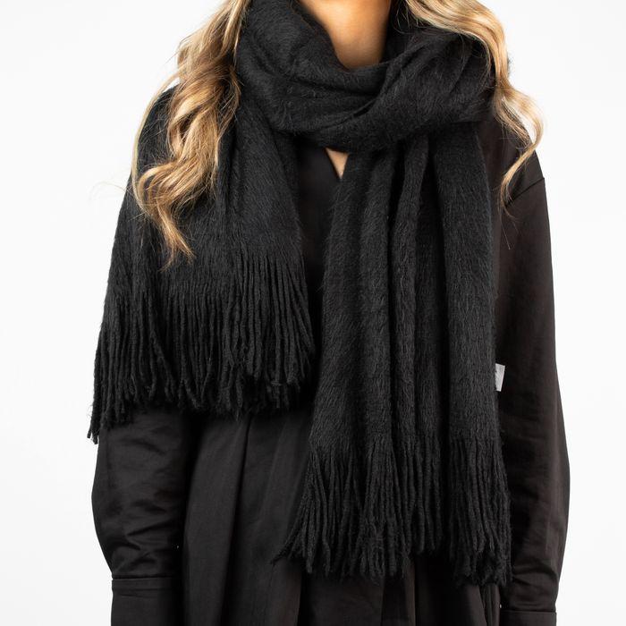 Zwarte hairy sjaal
