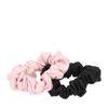 Set van zwarte en roze scrunchie