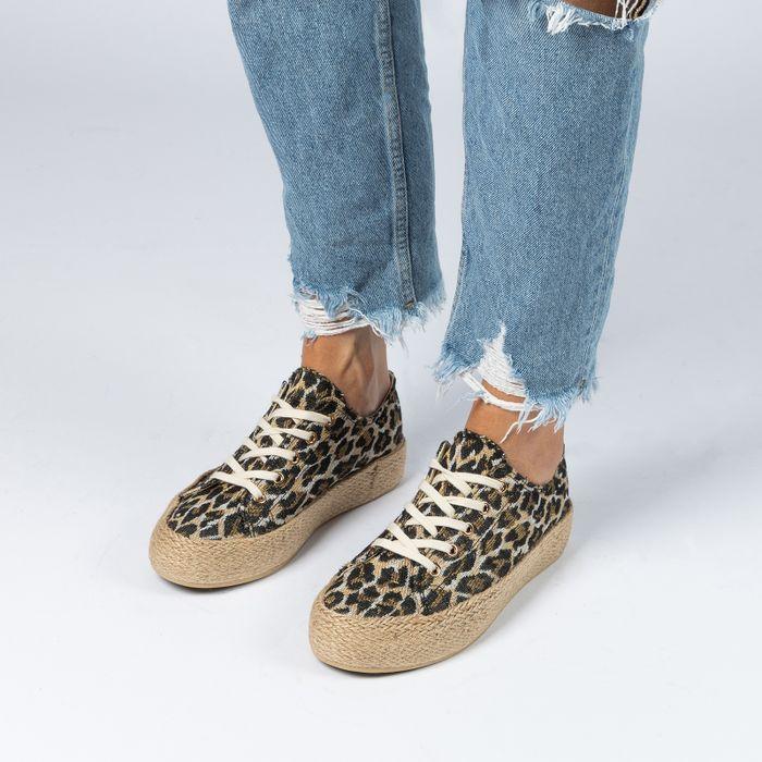 Platform sneakers met panterprint