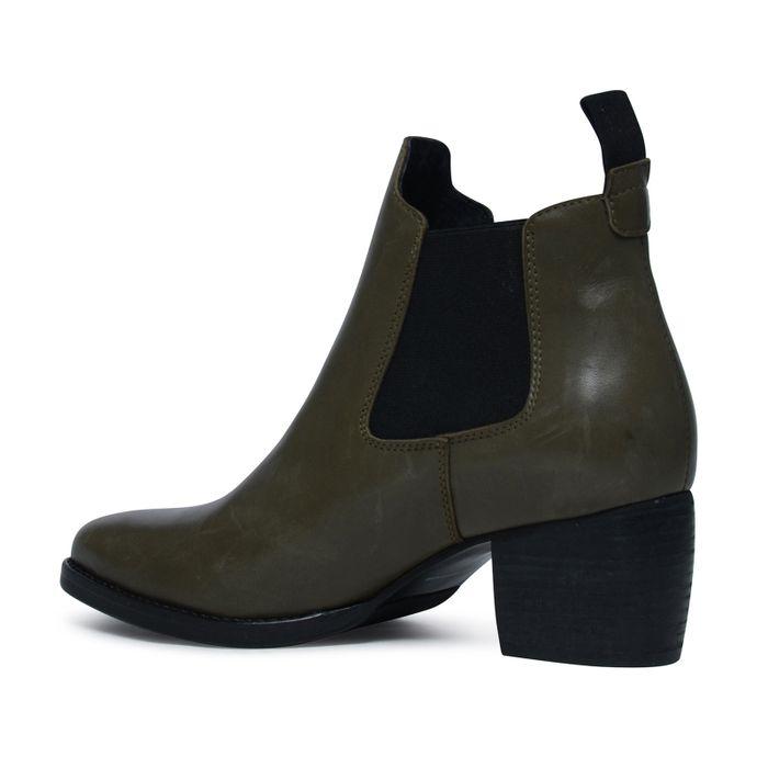 Chelsea boots khaki