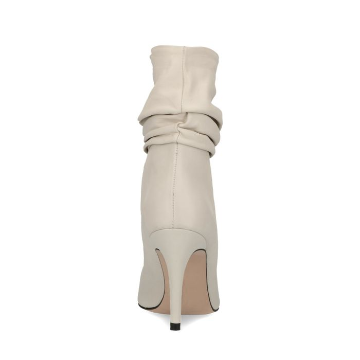 Witte korte laarzen met naaldhak