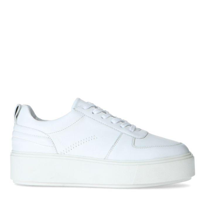 Witte sneakers met plateauzool