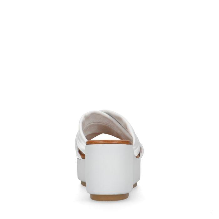 Witte leren slippers met plateau zool