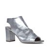 Zilveren sandalen met hak en peeptoe