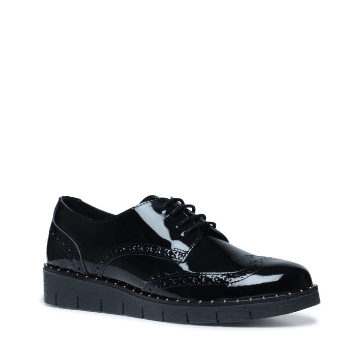 Zwarte lak veterschoenen met brogues