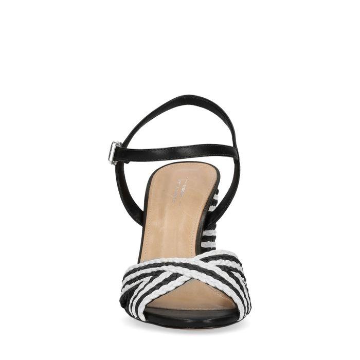 Zwart/wit gevlochten sandalen met hak