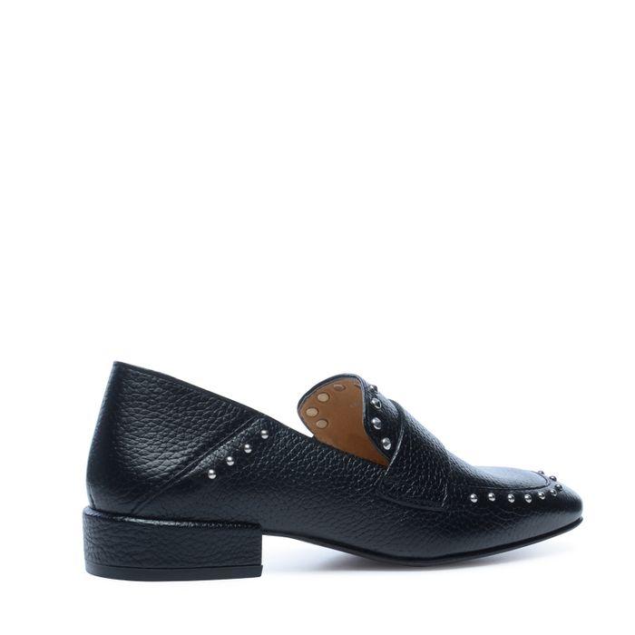 Loafers met studs