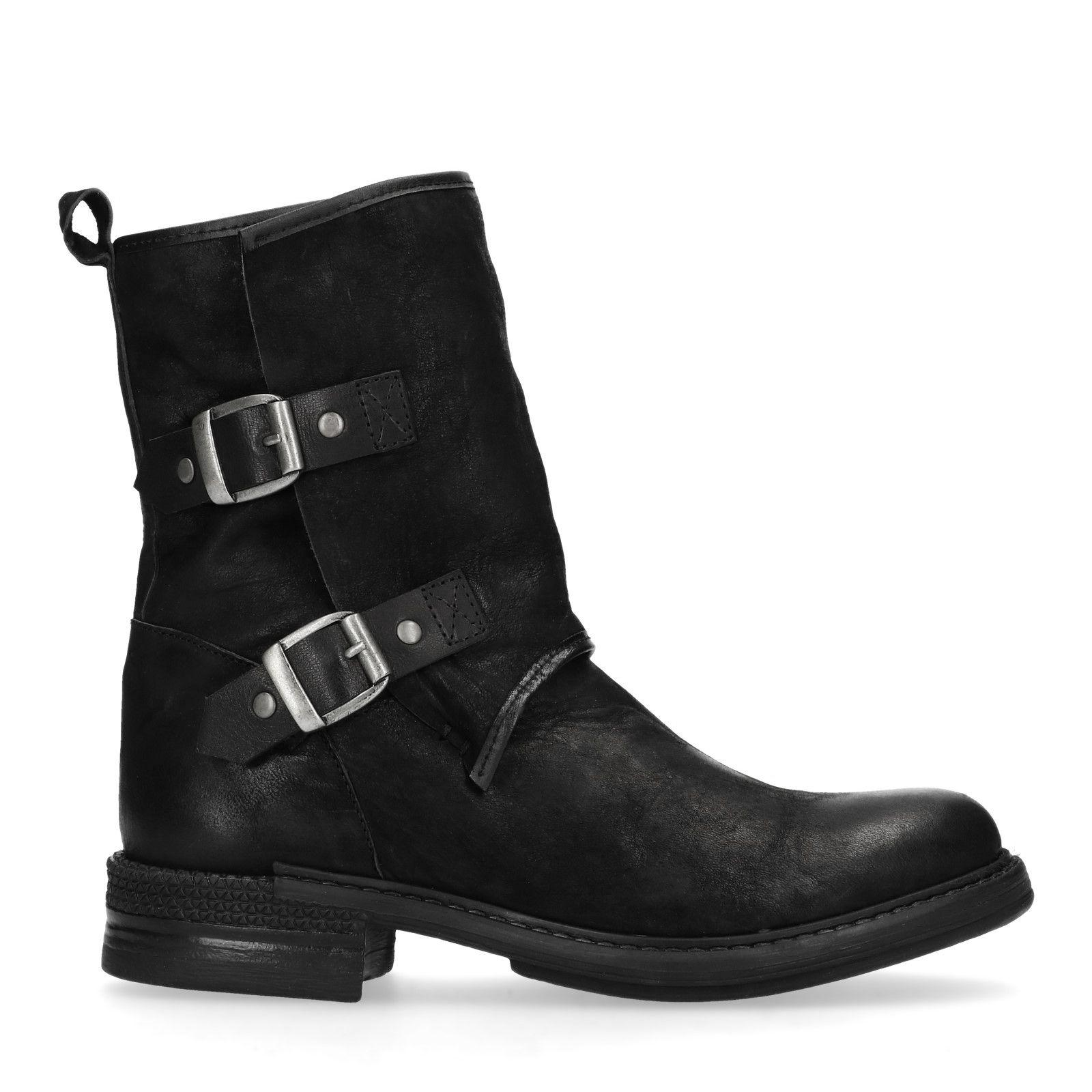 Schoenenkast Ook Voor Laarzen.Zwarte Korte Laarzen Met Gespen Damesschoenen Sacha