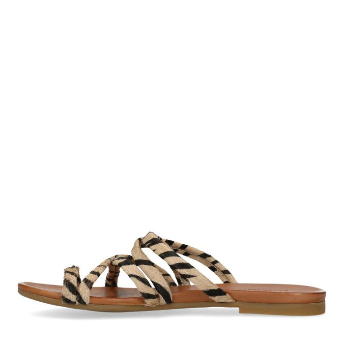 Bruine slippers met zebraprint