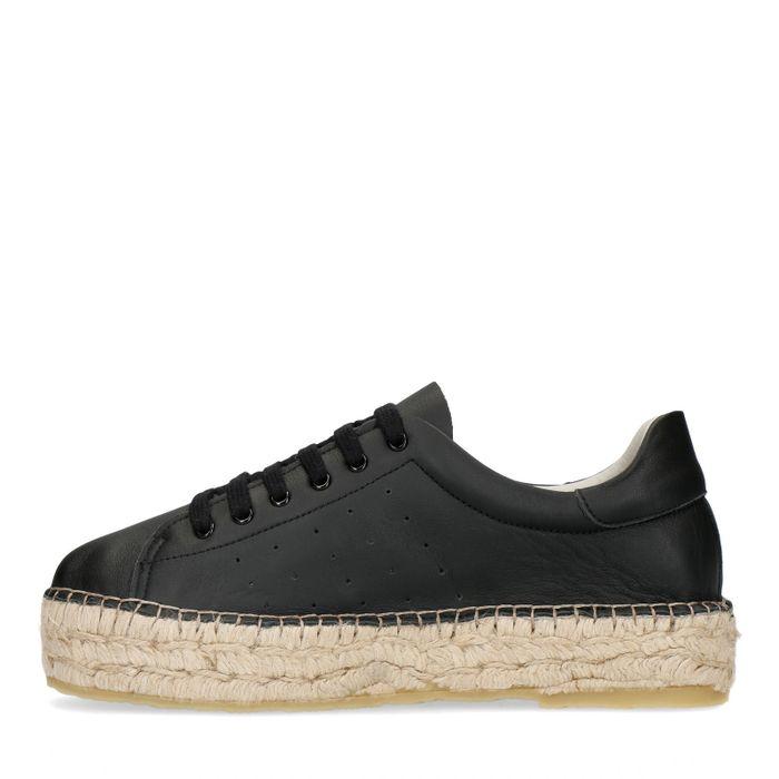 Zwarte lage sneakers met plateau zool