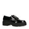 Zwarte veterschoenen van lakleer