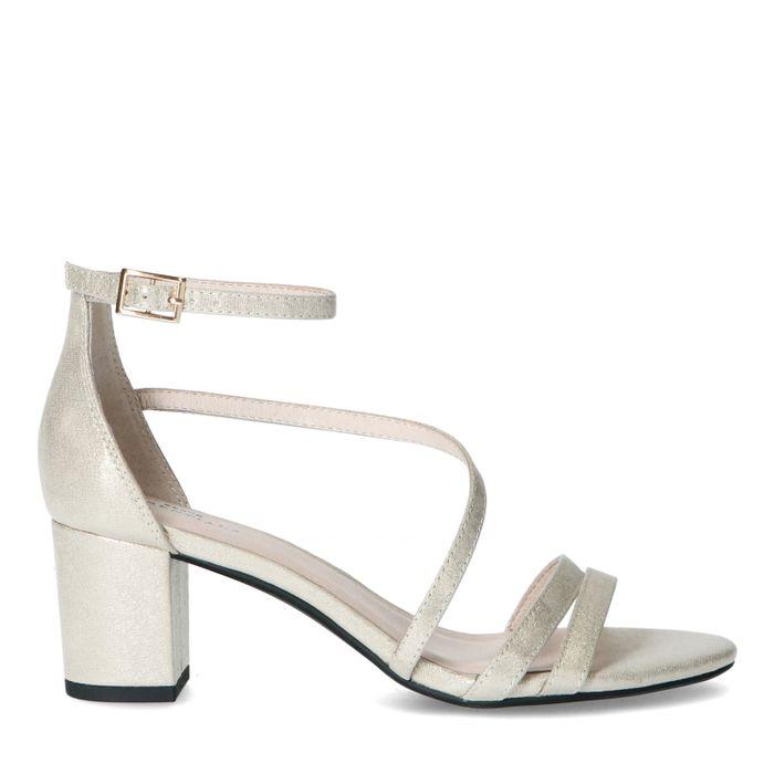 Goudkleurige sandalen met lage hak