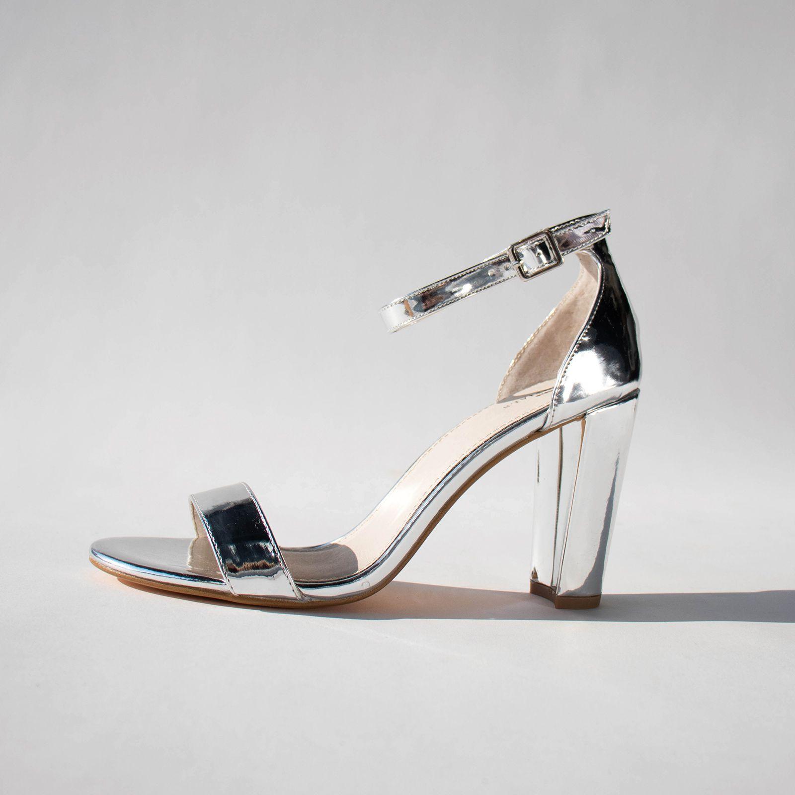 Sandalen met hak zilver | Sandaal met hak, Schoenen