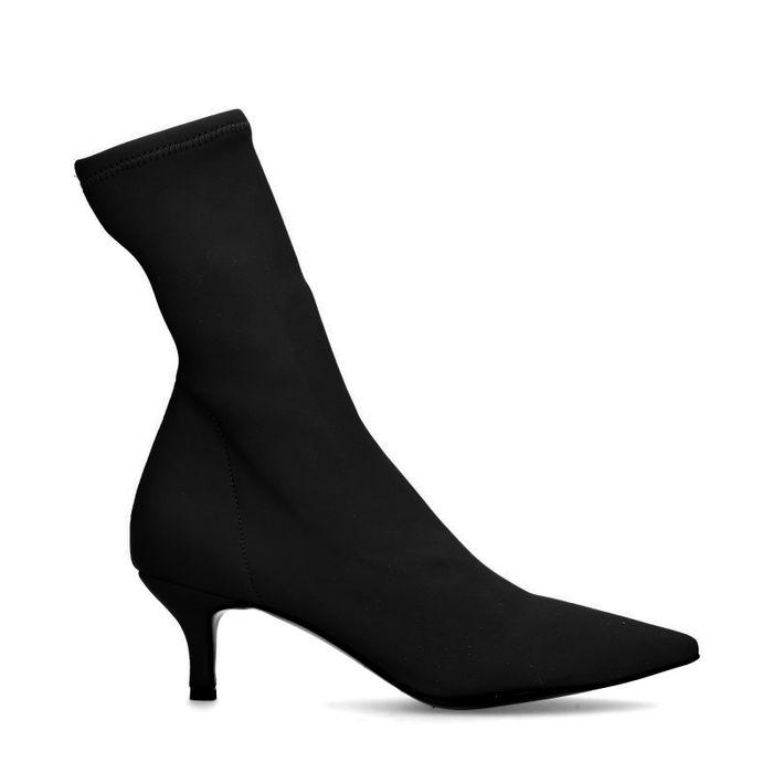Zwarte sock boots met kitten heel