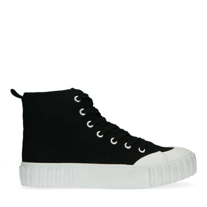 Zwarte canvas sneakers met witte zool