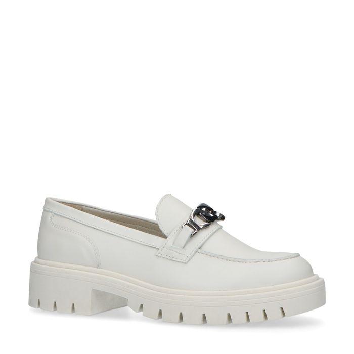 Loafers avec chaîne argentée - beige