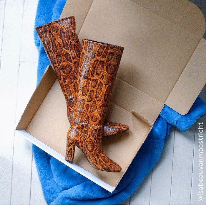 Bottes hautes cuir à talon avec imprimé serpent - marron