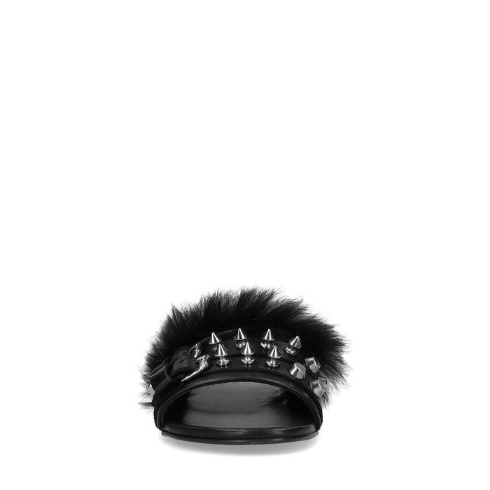 Claquettes en cuir avec fausse fourrure et piques - noir