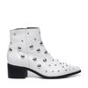 Bottines en cuir avec clous - blanc