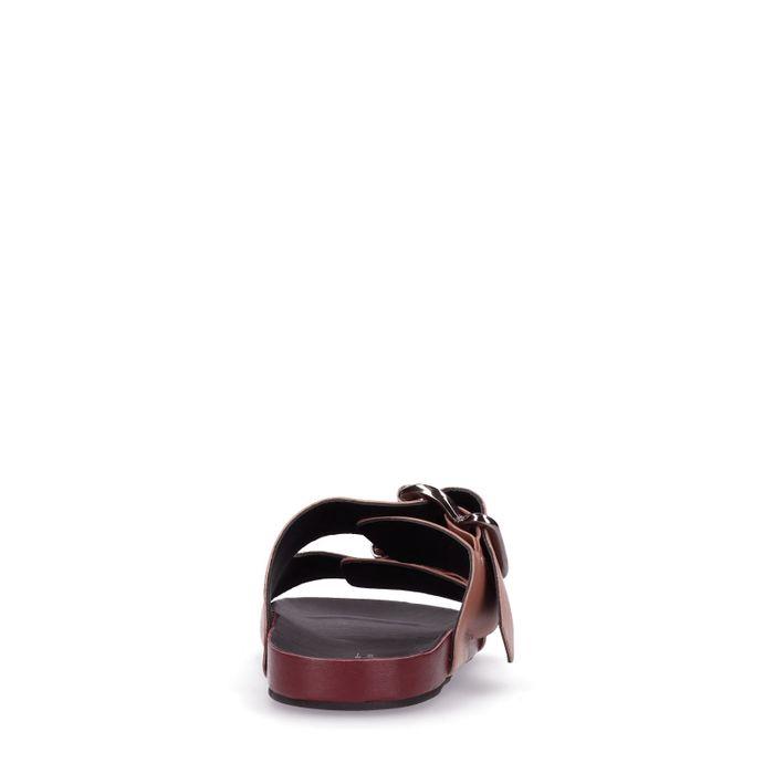 Claquettes en cuir avec boucles argentées - vieux rose