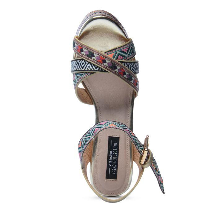 Sandales à talon compensé avec imprimé - rose