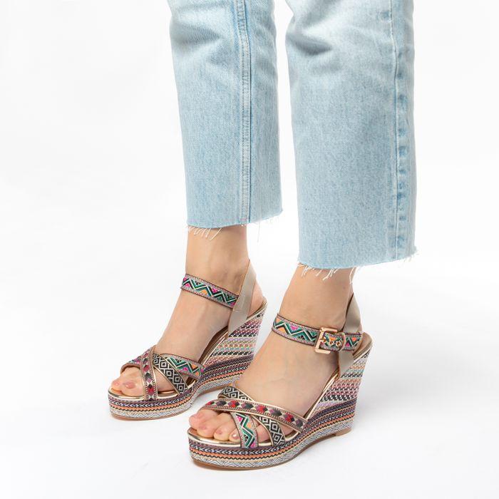 Sandales textile à talon compensé avec imprimé - rose