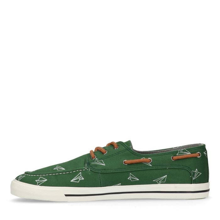 Groene lage sneakers met papieren vliegtuigjes