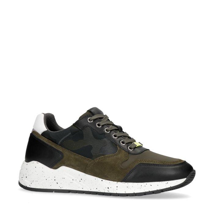 Donkergroene sneakers met camouflage