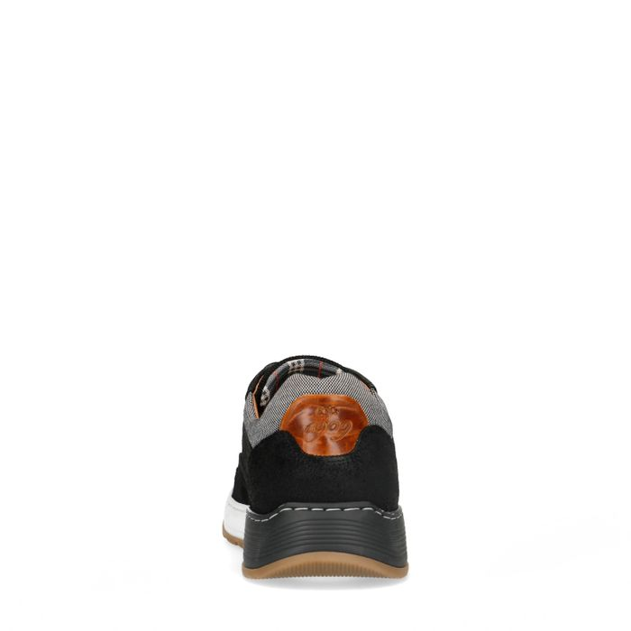 Zwarte leer met suède sneakers