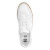 Witte sneakers met naturel zool
