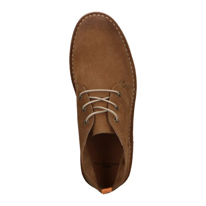 Beige suède desert boots