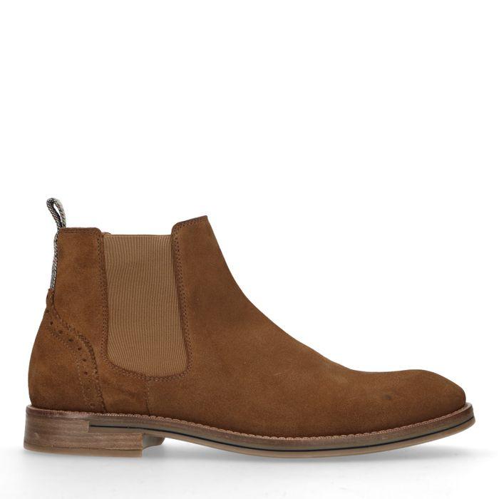 Cognac chelsea boots