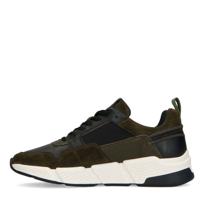 Groene suède sneakers met zwarte details