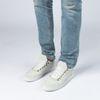 Witte suède sneakers