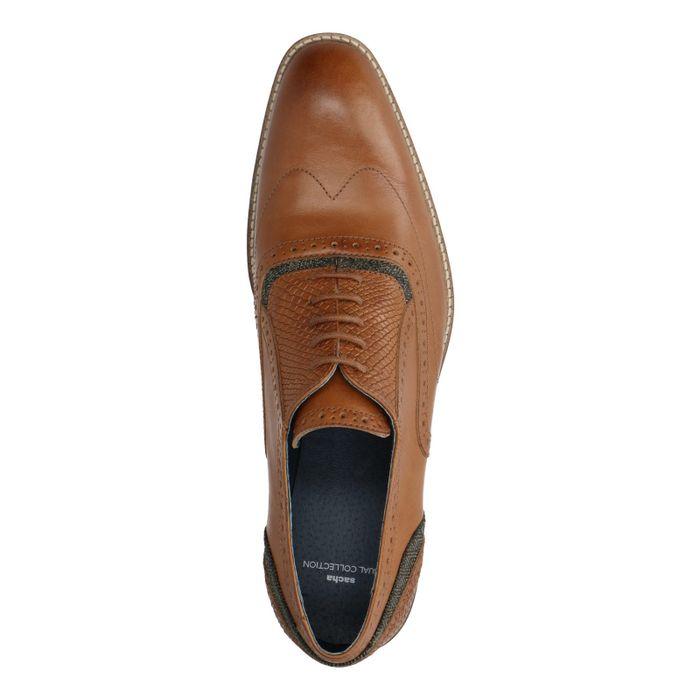 Cognacfarbene Schnürschuhe mit Perforierung
