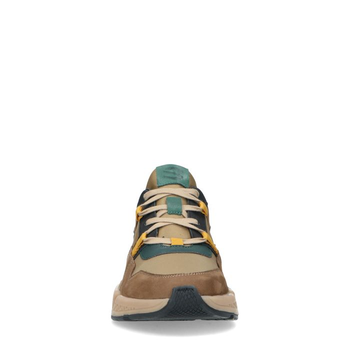 Braune Sneaker mit farbigen Details