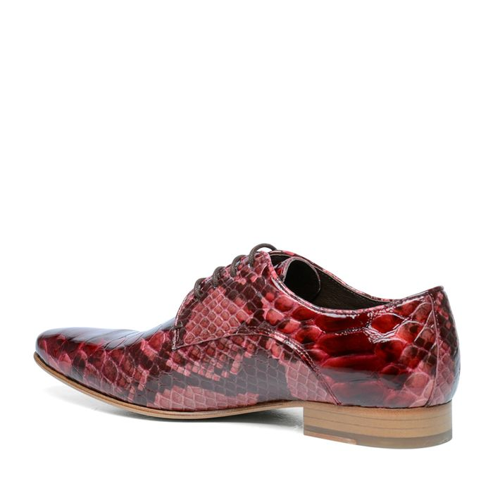Rote Schnürschuhe mit Krokomuster