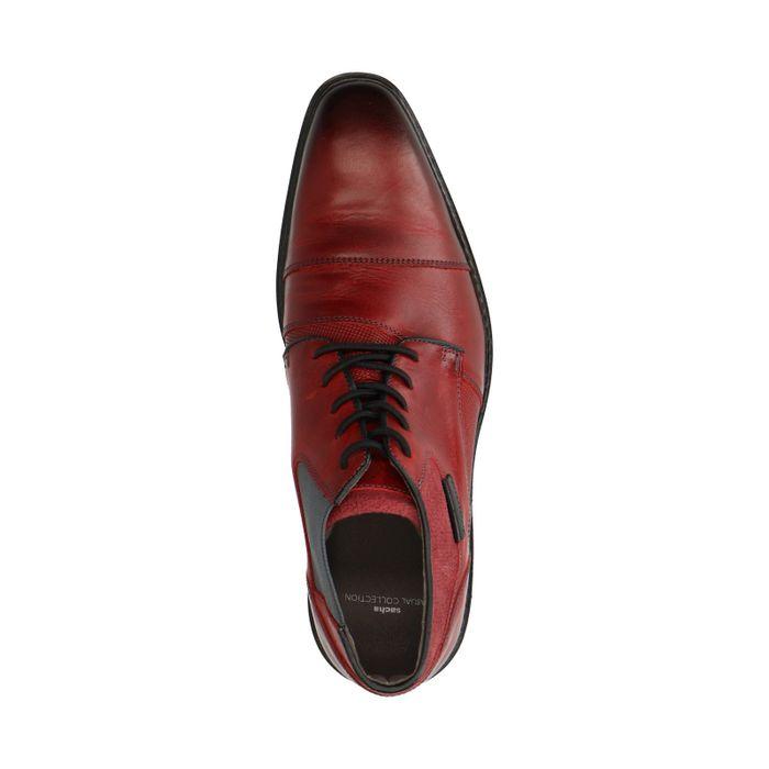 Rote Schnürschuhe mit Elastik-Einsatz