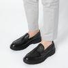 Schwarze Loafer mit Details