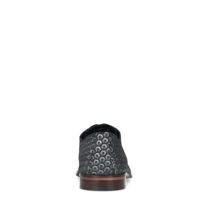 Silberfarbene Schnürschuhe mit Diamantmuster