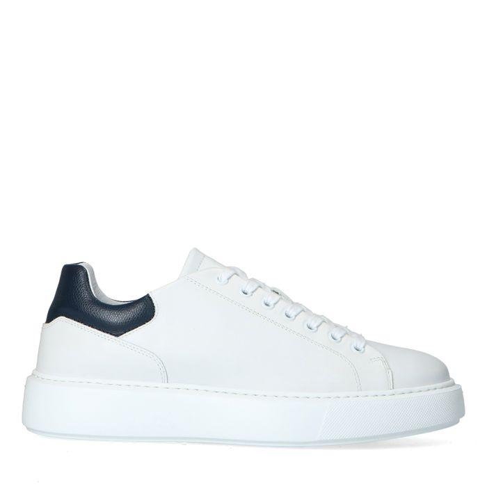 Weiße Ledersneaker mit schwarzem Detail