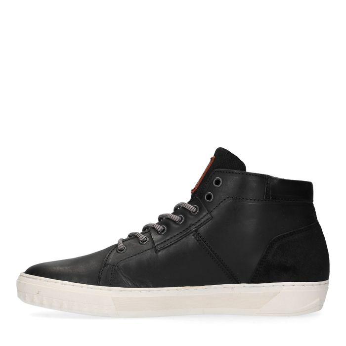 Schwarze, hohe Sneakers mit Kunstfell