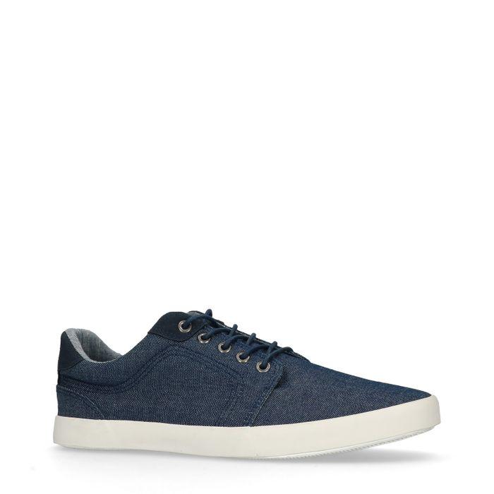 Blaue Sneaker im Denim-Look
