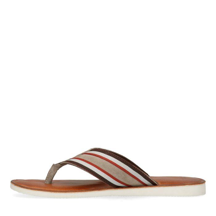 Braune Sandalen mit Streifen