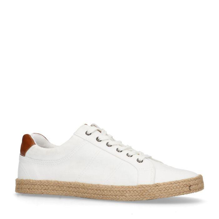 Weiße Schnürschuhe aus Leinen