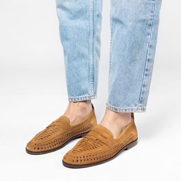 Braune Veloursleder-Loafer mit Flecht-Details